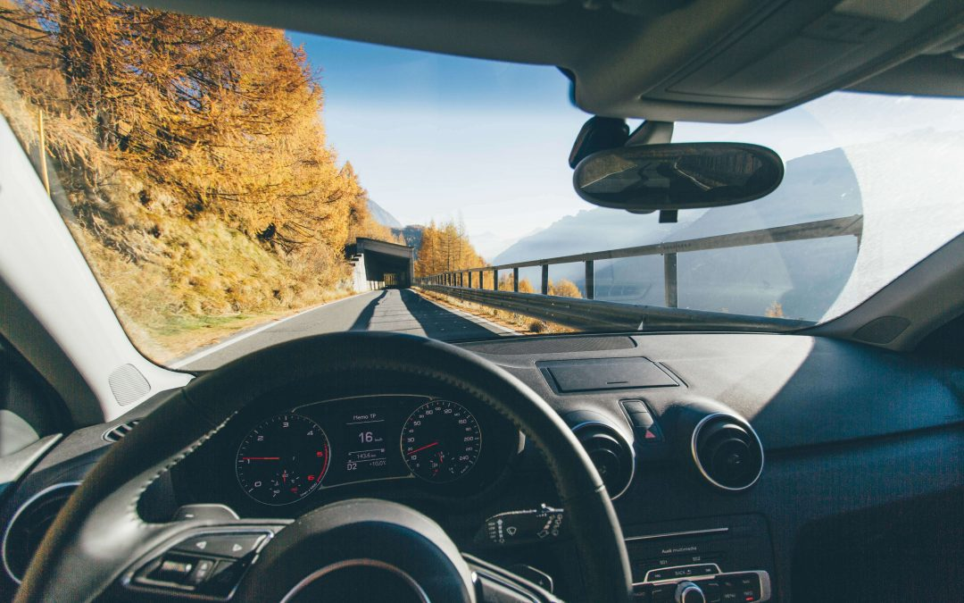 7 Ways Your Windshield Will Get Cracked on the Road