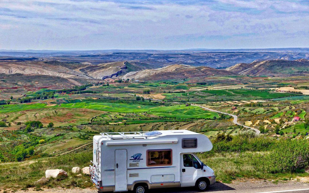 How to Adjust RV Mirrors